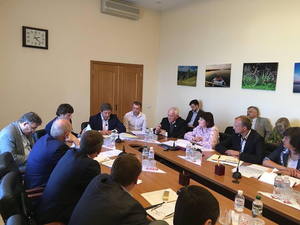 На фото: Спільна нарада Мінфіну та МОНу України щодо фінансування профтехосвіти, 9 липня 2016 року.