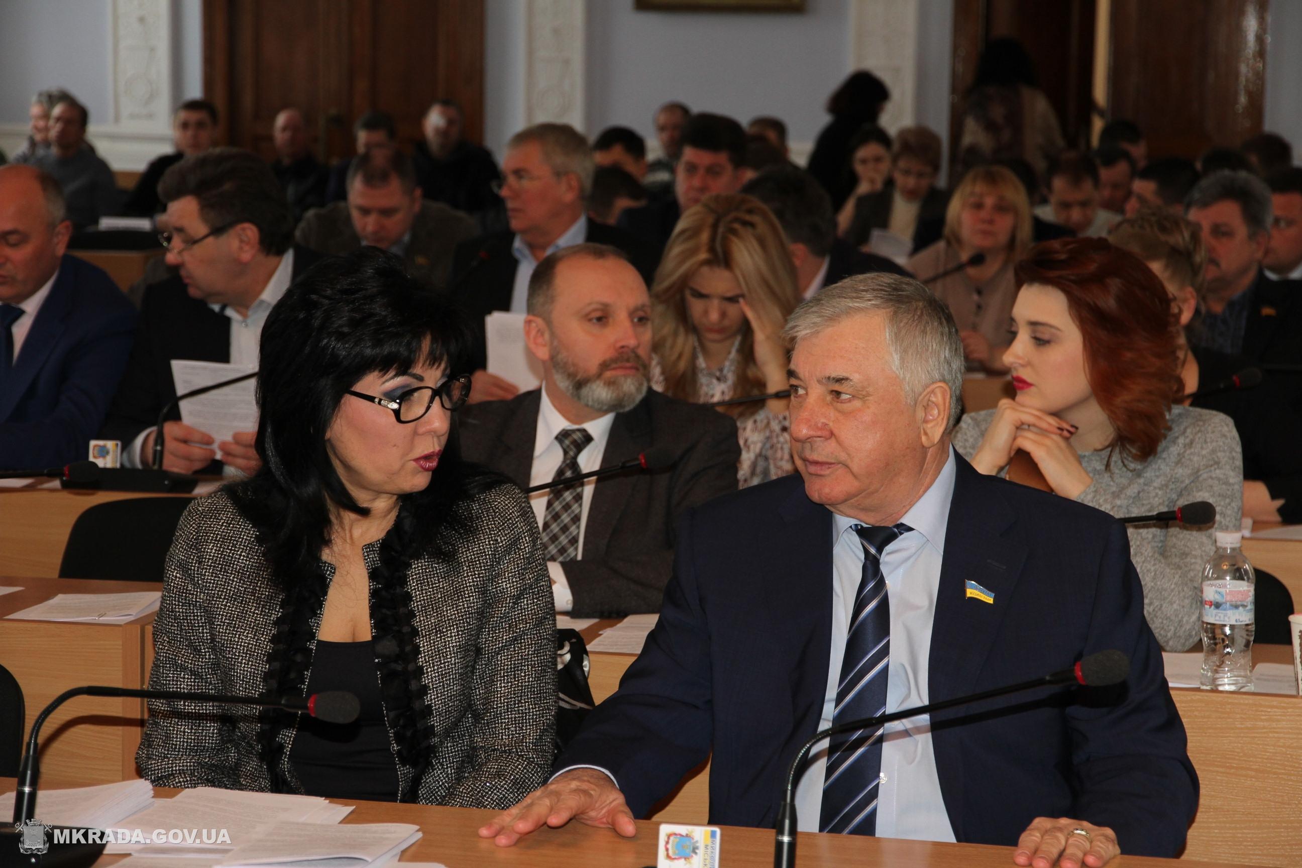 Николаевские депутаты обратились в Киев с просьбой повысить зарплату медработникам