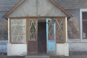 В Запорожье семьи военных живут в разваливающимся общежитии (Фото)