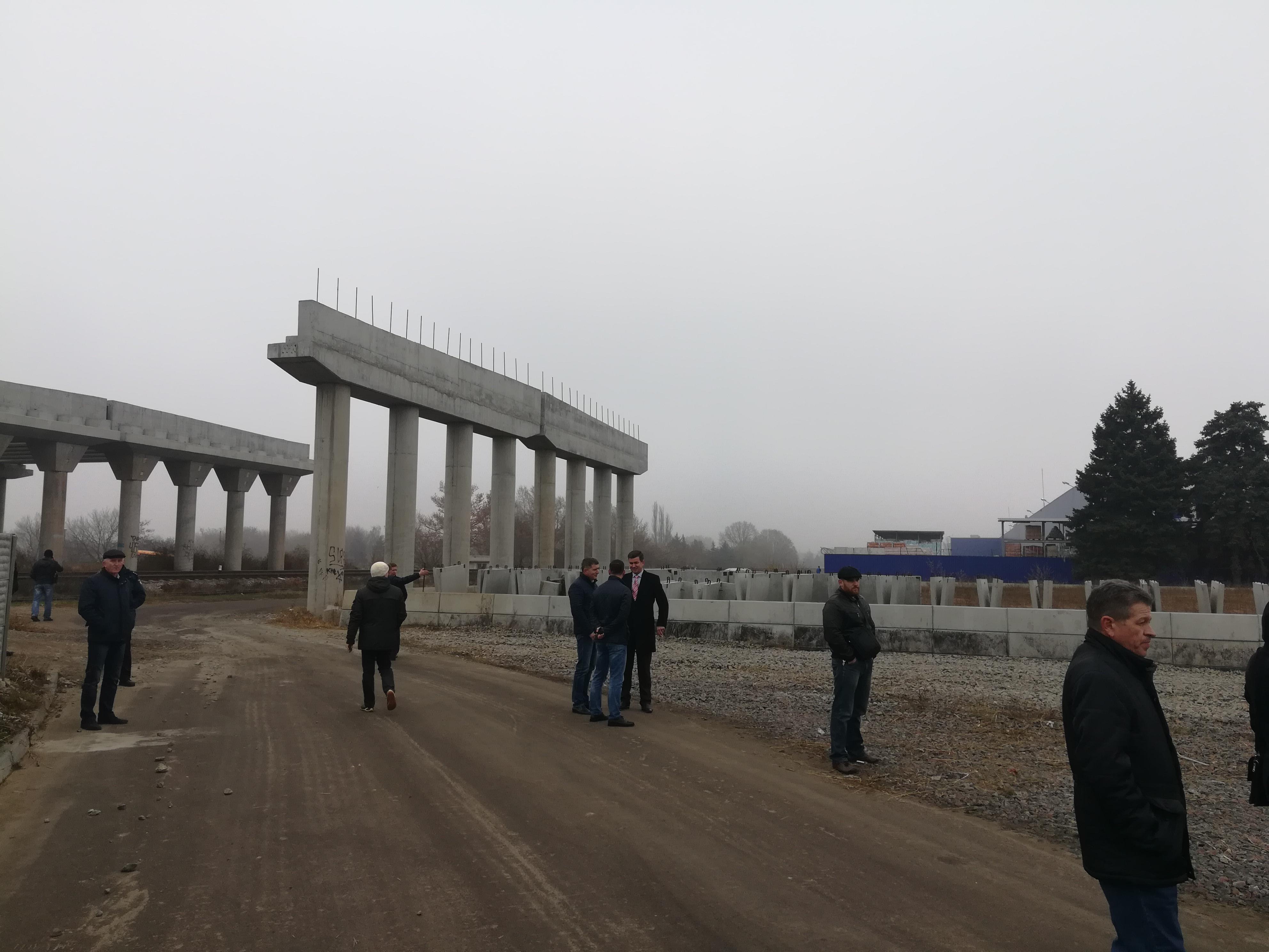 Херсонський мостоперехід може запрацювати вже до кінця наступного року