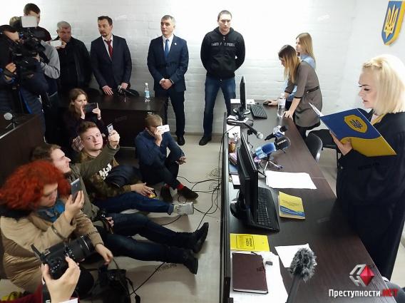 Суд восстановил Александра Сенкевича в должности Николаевского городского головы