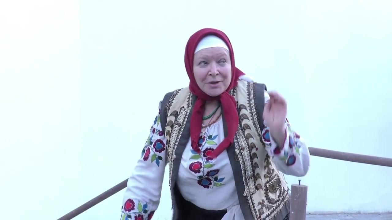 В Свято-Троїцькому сквері відбувся показ моновистави за оповіданням Марії Матіос