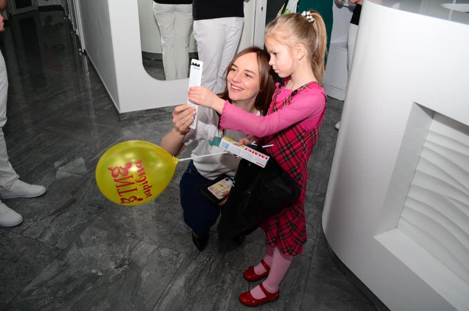 Гроші на стоматологічне лікування дітей з прийомної  родини зібрали на Херсонщині