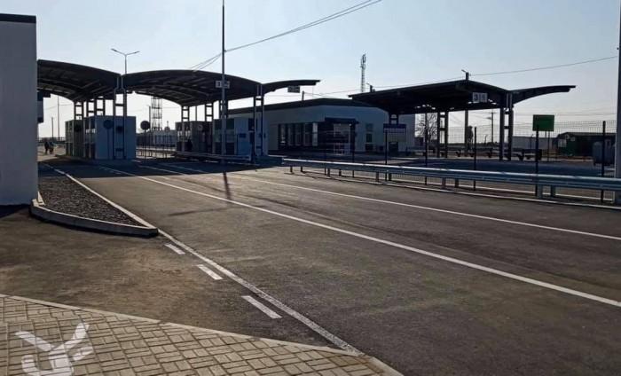 В'їзд на територію окупованого Криму та виїзд із нього тимчасово заборонили