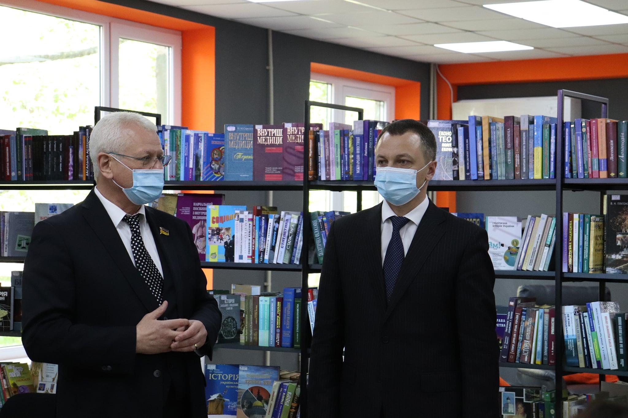 Уповноважений із захисту державної мови Тарас Кремінь зустрівся зі студентами ХДУ